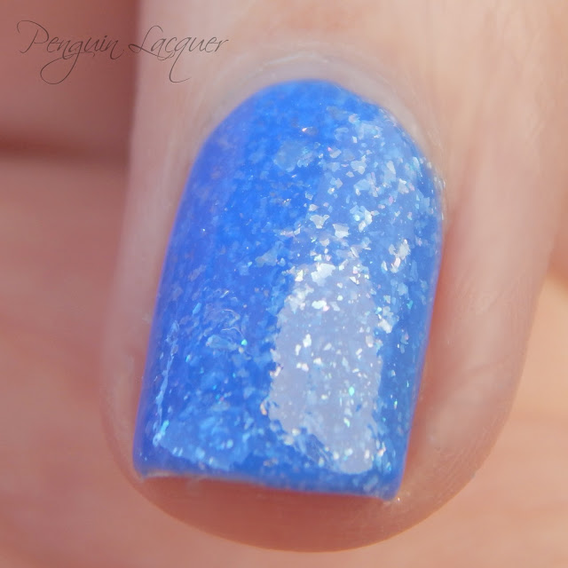 p2 beauty blue nail polish 040 deep sea makro