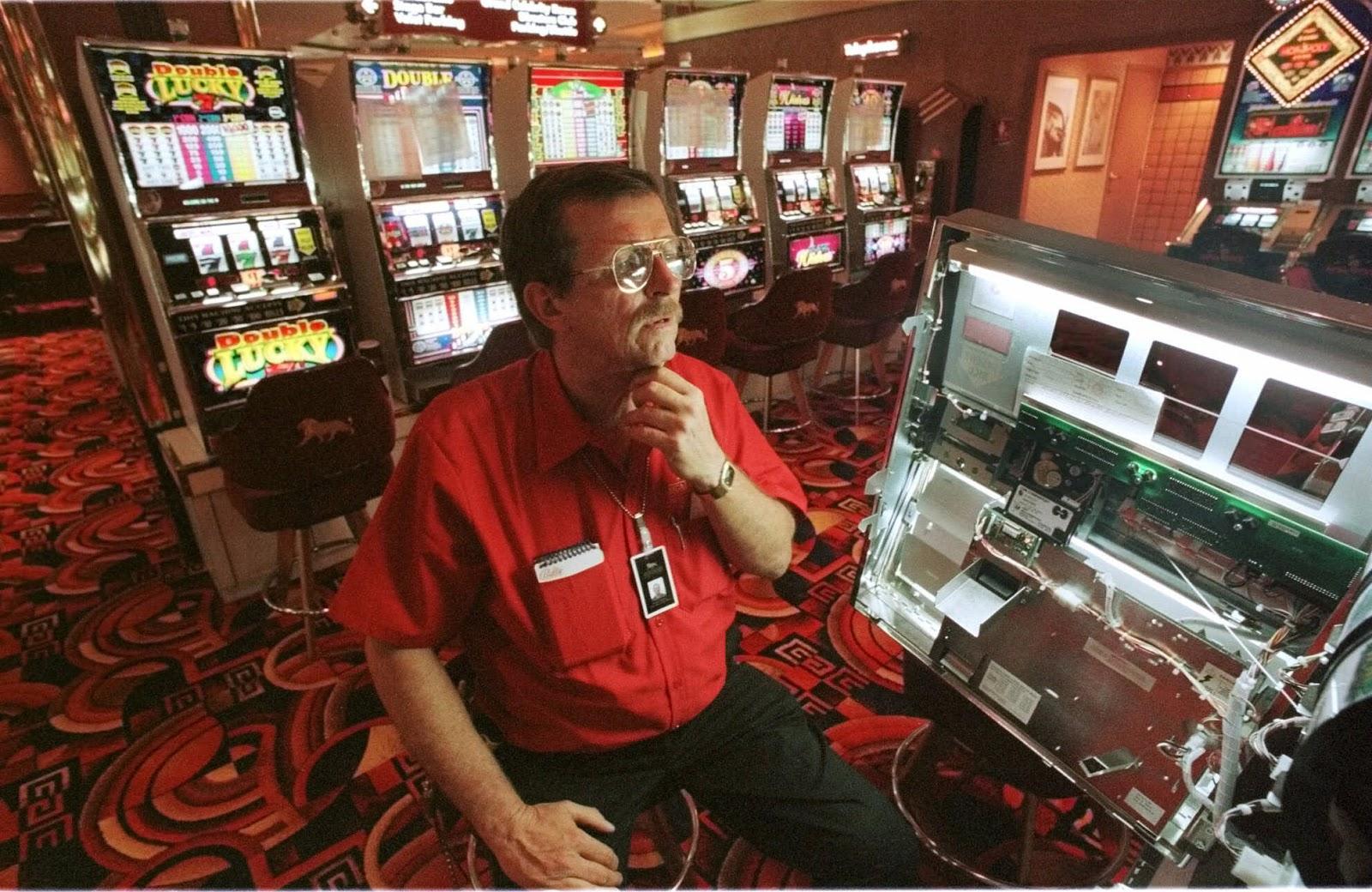 Работа казино техник играть автоматы слоты онлайн бесплатно