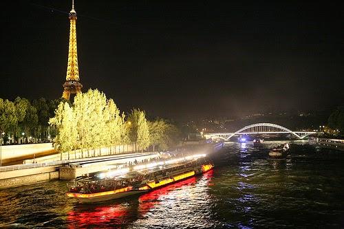 O que fazer a noite em Paris