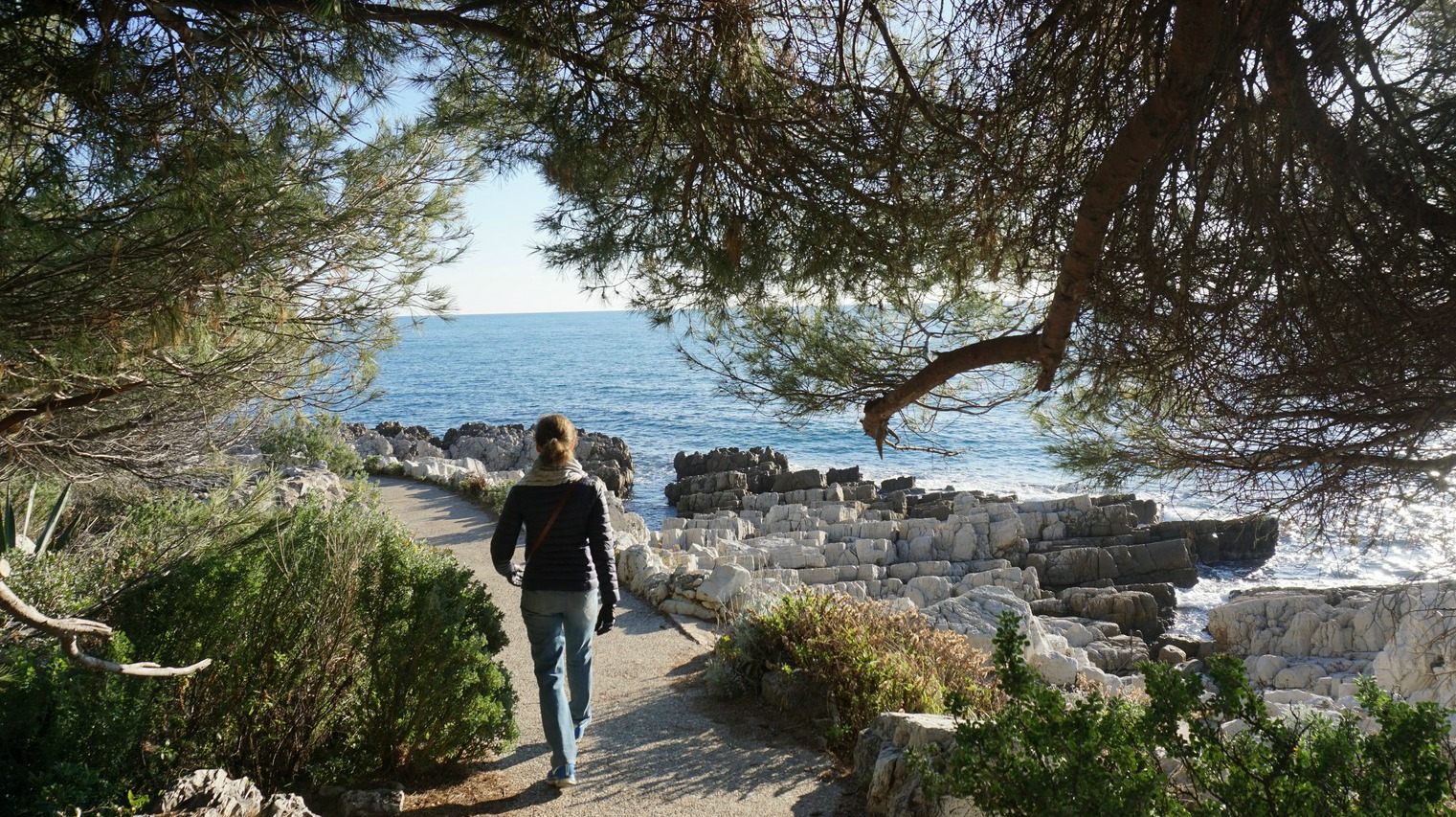 Coastal trail around Cap d Antibes