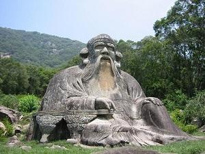Lao-ce kőszobra