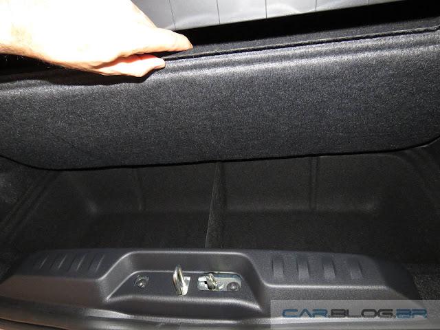 Novo Fiat Mobi - porta-malas