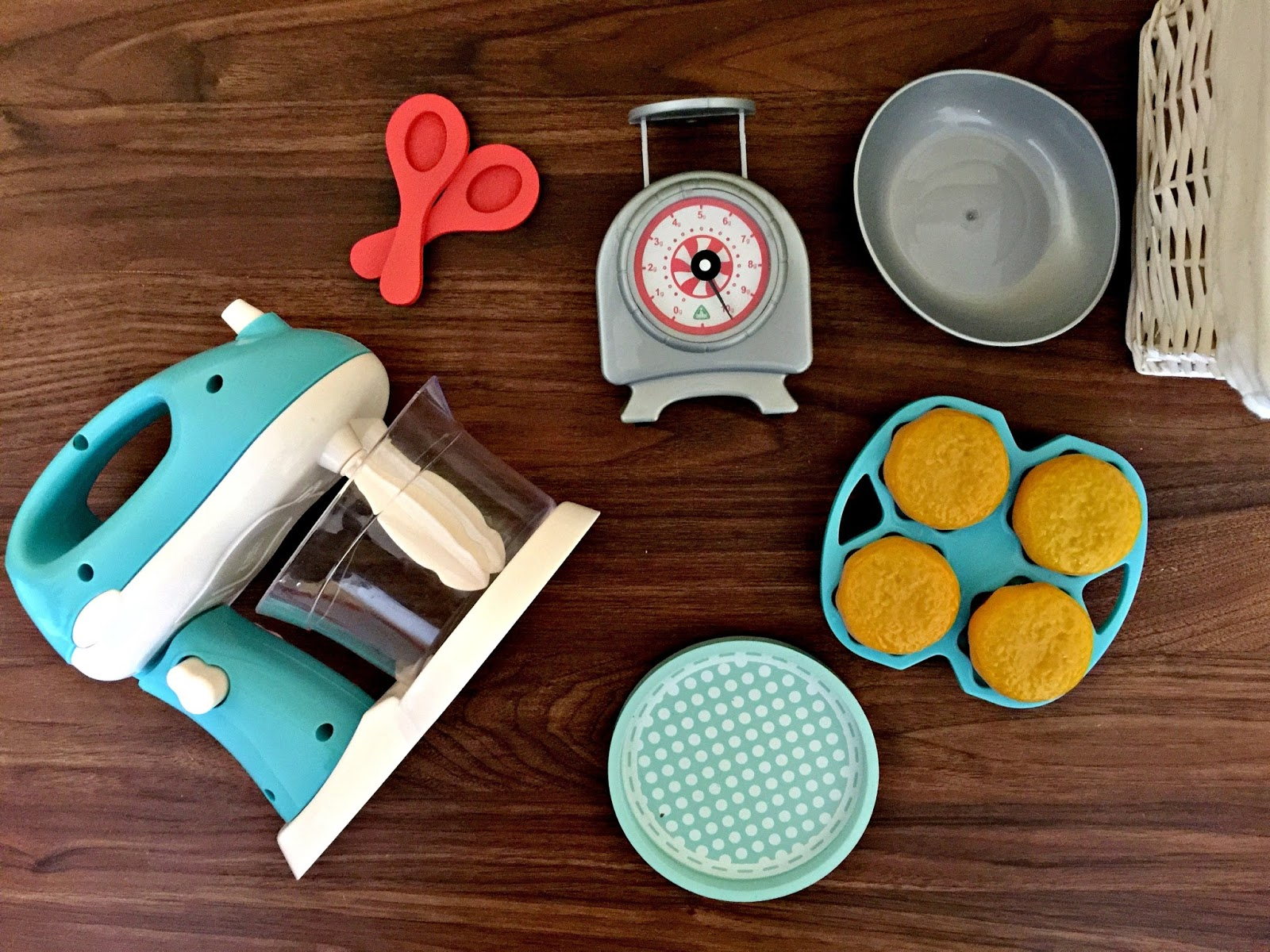 8 Tips For Baking With Toddlers