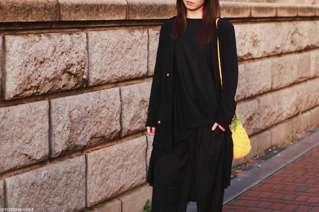 日本人ファッションブロガー,MizuhoK,今日のコーデ,CNDirect-ブラックアシンメトリーTシャツワンピ,CHOIES-ブラックマリンジャケット,Newchic-ブラックシフォンワイドパンツ,SheIn-パイナップルバッグ,オールブラックずるずるコーデ
