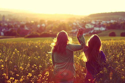Hình ảnh đẹp về những đứa bạn thân hơn người yêu