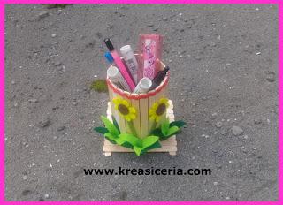 Ide Kreatif Membuat Tempat Alat Tulis dari Stik Es Krim