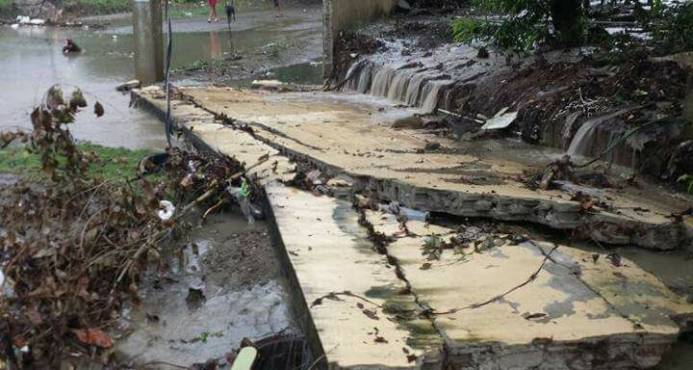 Lluvias inundan varios sectores de Moca