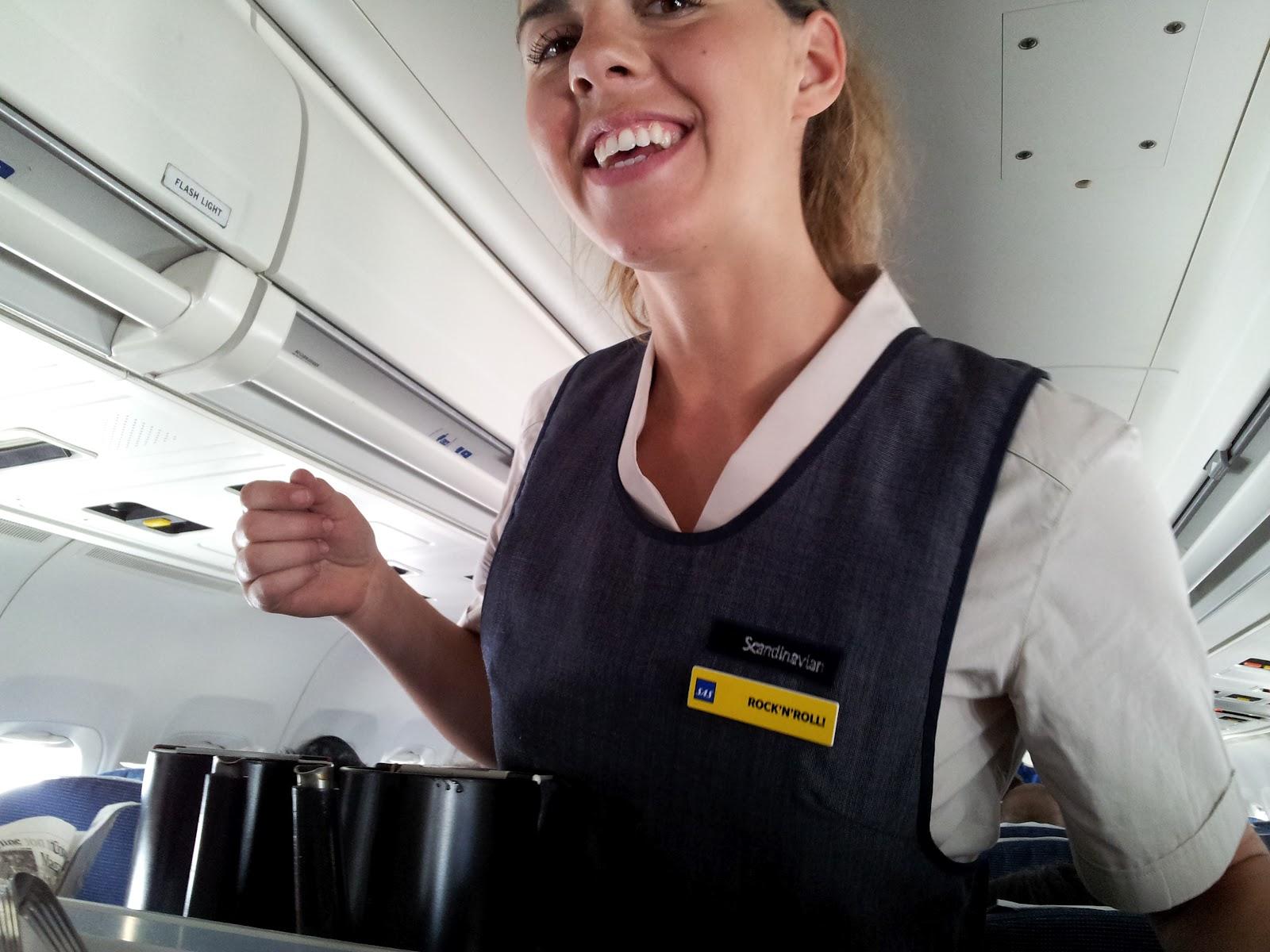 Dejta en flygvärdinna