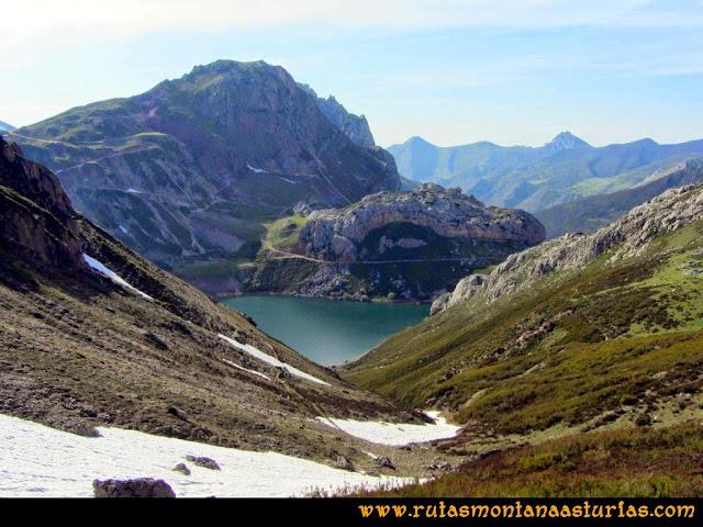 Ruta Farrapona, Albos, Calabazosa: Camino al Lago La Cueva