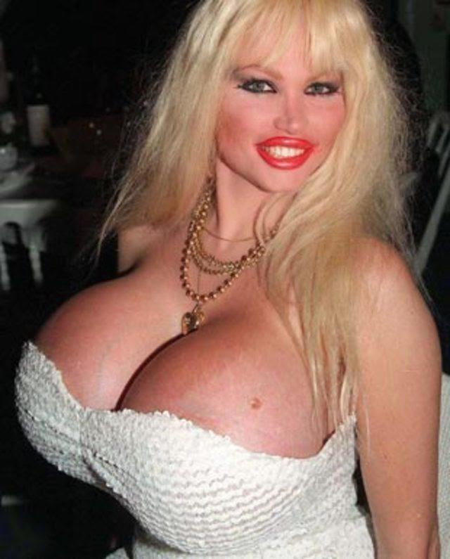 Estrella porno de pecho grande