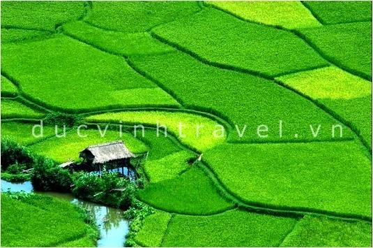 Cho thuê xe du lịch đi Thung Nai Mai Châu Hòa Bình