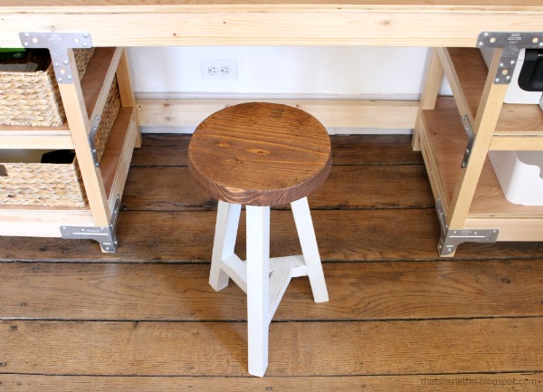 3 legged stool wtih triangle support