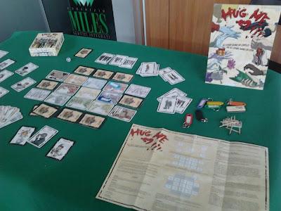 Hug me:il card game dalla parte dello Zombie