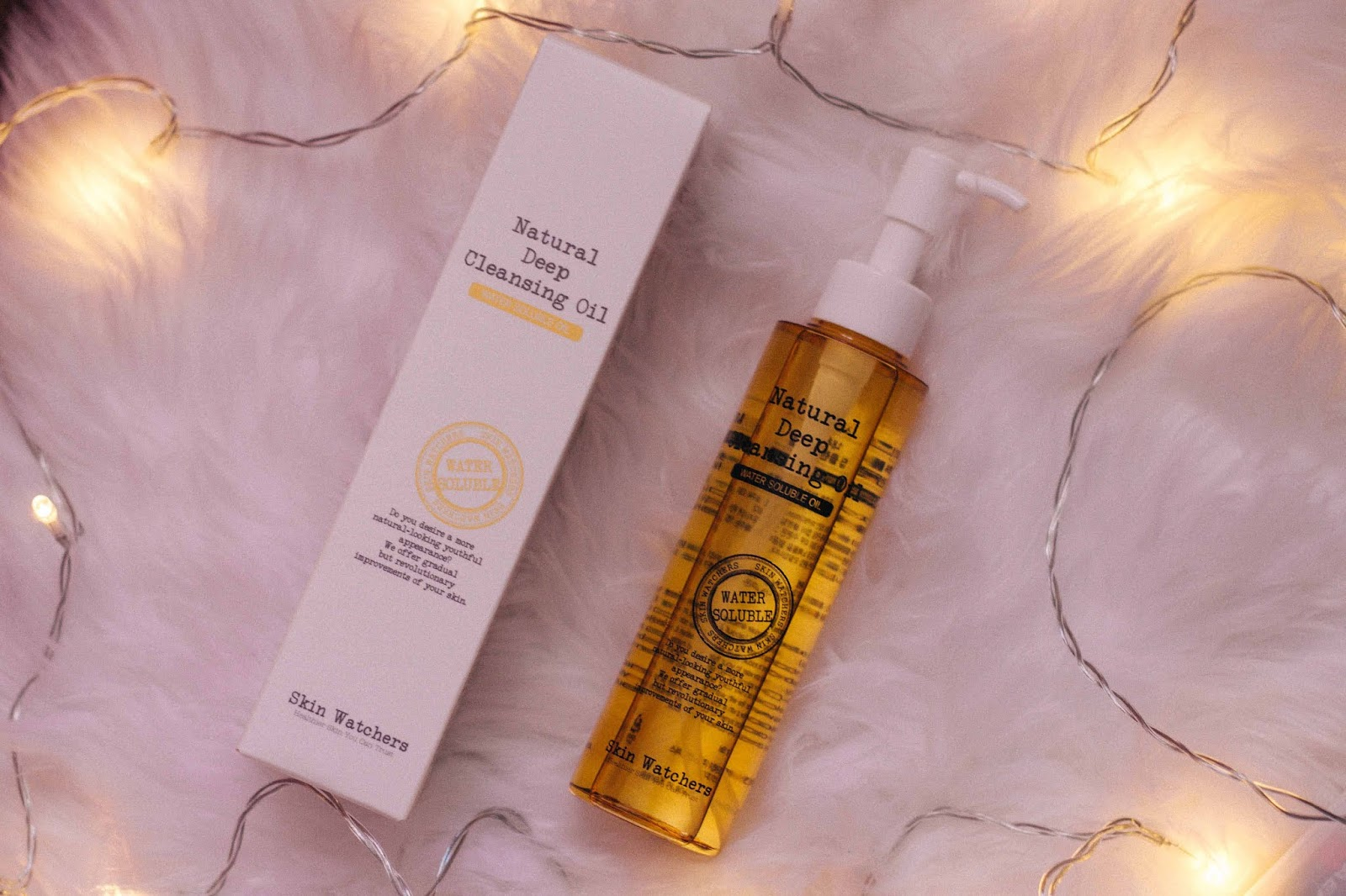 """Skin Watchers Natural Deep Cleansing Oil is a natural cleansing oil that is formulated with Natural Apricot Oil, Macadamia Seed Oil, Meadowfoam Seed Oil, and Bergamot Oil. """