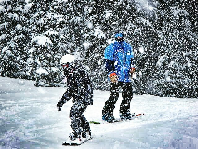 1fb0aef0d881 ExtraHyperActive  Why You Shouldn t Teach Your Kids How To Ski Snowboard