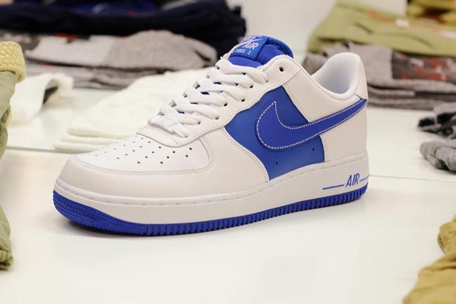 nouveau produit 377d0 6bb2c L'actu des Sneakers: Nike Air Force 1 Low – White / Soar Blue
