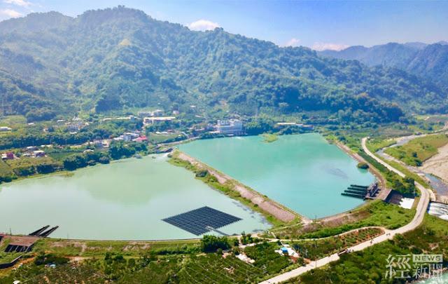 台電首座水上光電結合既有大甲溪水力電廠,設在馬鞍機組的後池,一年可發約38萬度電。