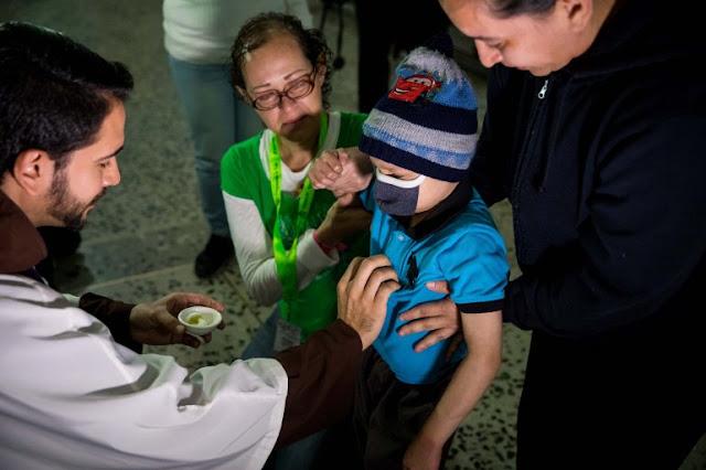 Enfermos crónicos venezolanos piden la apertura de un canal humanitario