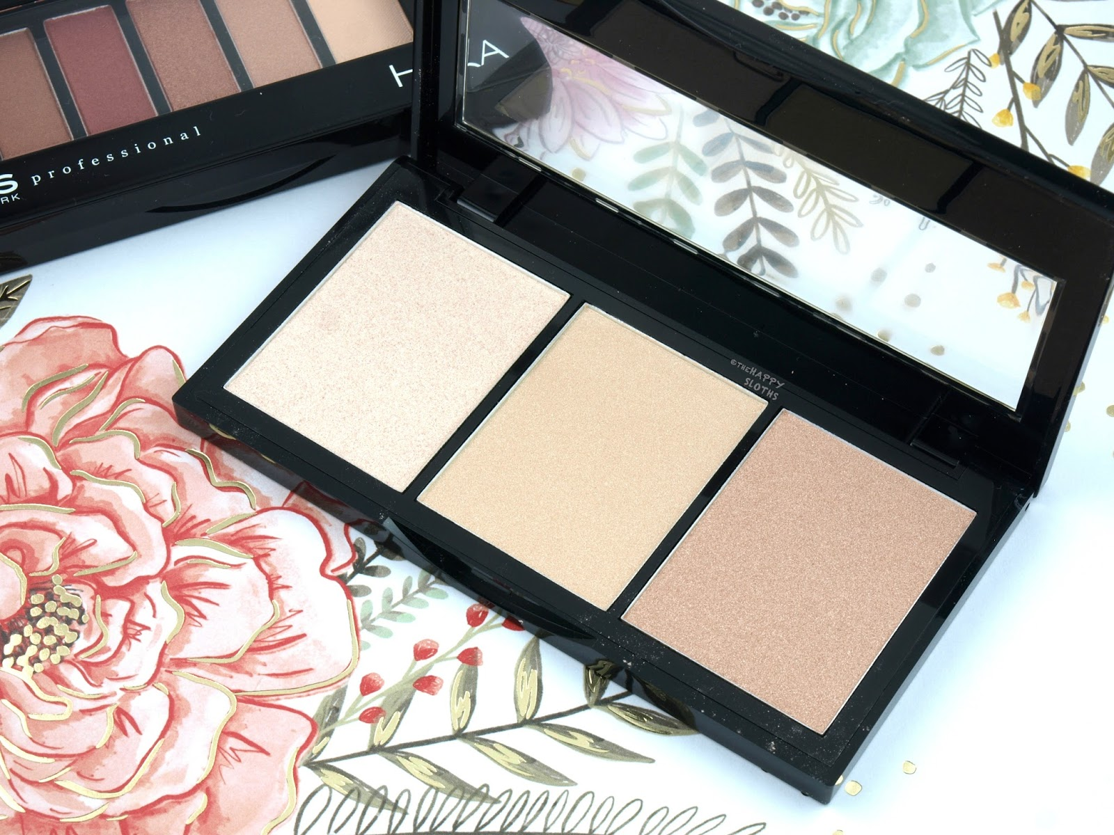 "KISS New York Professional Halo Strobing Palette in ""Medium"": Review and Swatches"