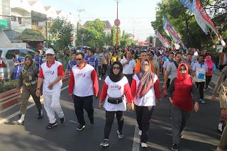 Ribuan Pegawai, Guru dan Pelajar Terlibat Jalan Sehat KORPRI dan PGRI