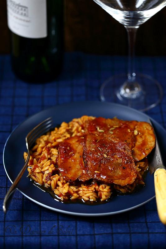 Gigot d'agneau rôti aux pâtes à la grecque