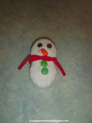 Margaret's Morsels | No Bake Snowman Cookies