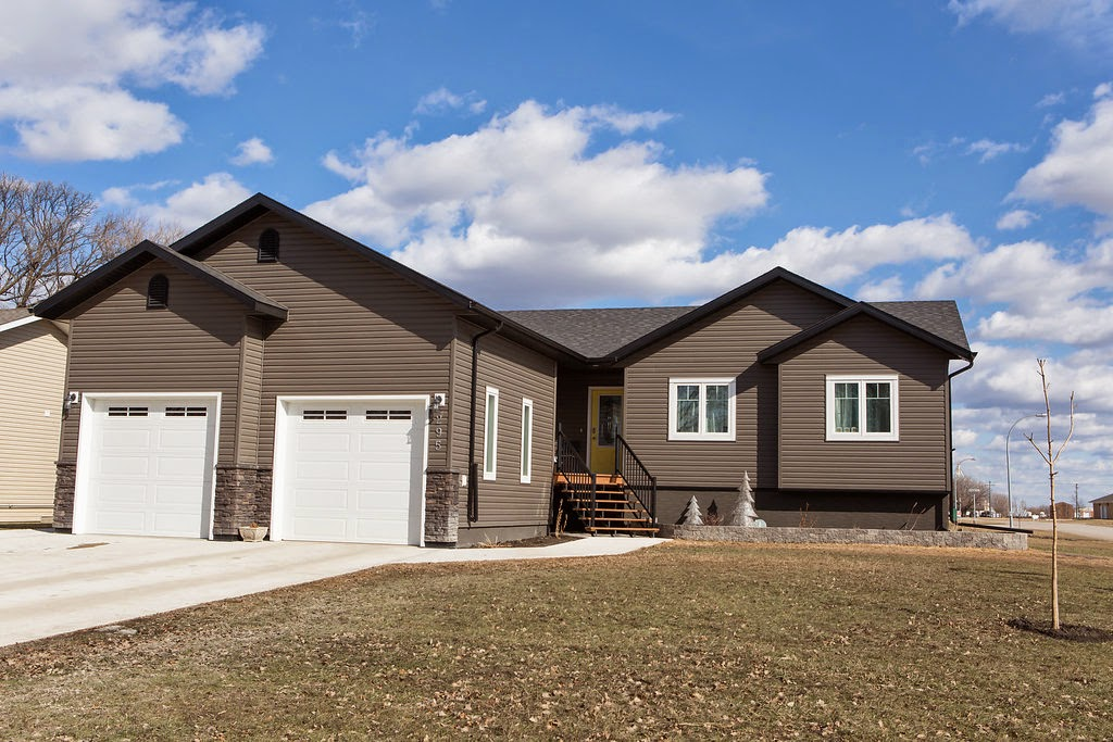 home, carman, manitoba, real estate, residential, new home, new house, realtor, royal lepage
