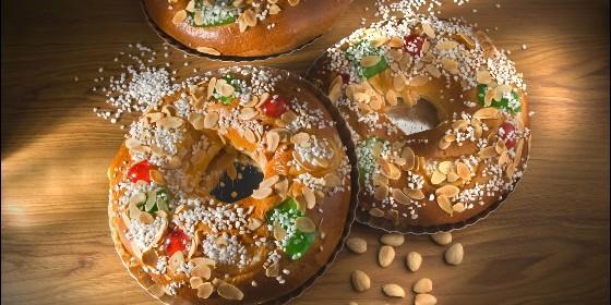 Rosca de Reyes King Cake