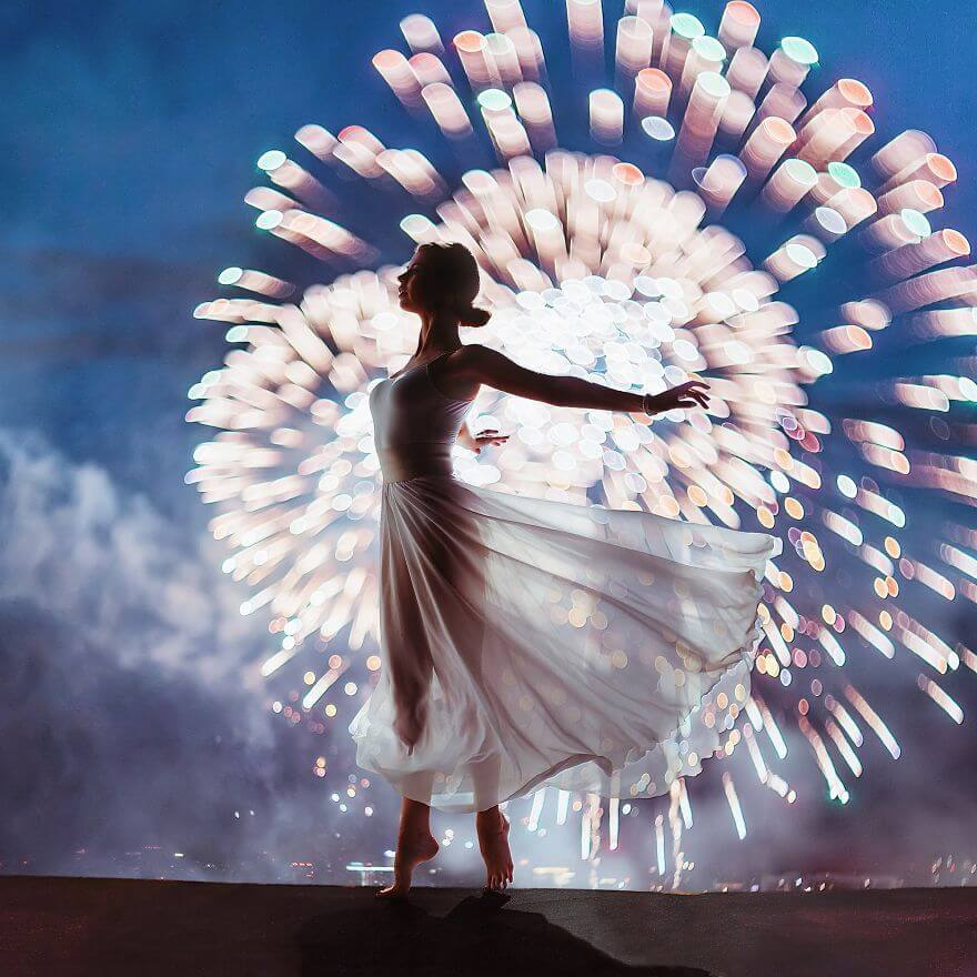 15 Pictures Of Girls In Dresses That Beautifully Match Their Backgrounds - Moscow Firework Festival, Russia. Model Nina