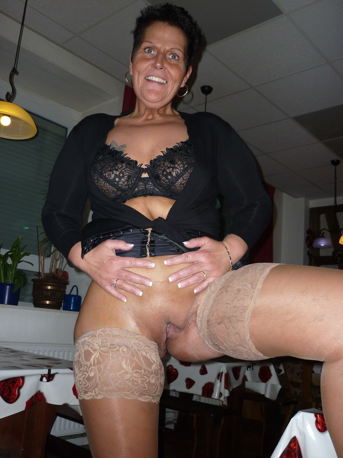 archive of old women: Mature Amateurs Pictures