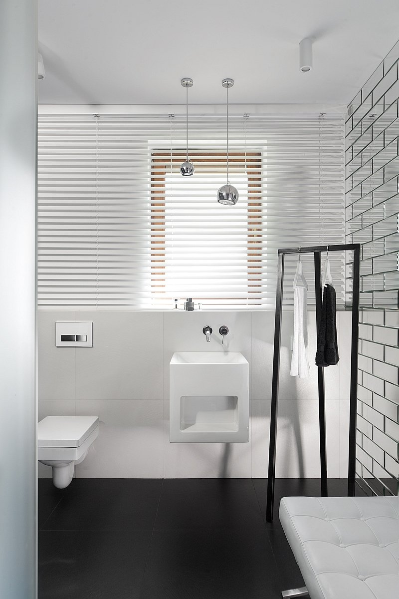 Minimalist bathroom furniture
