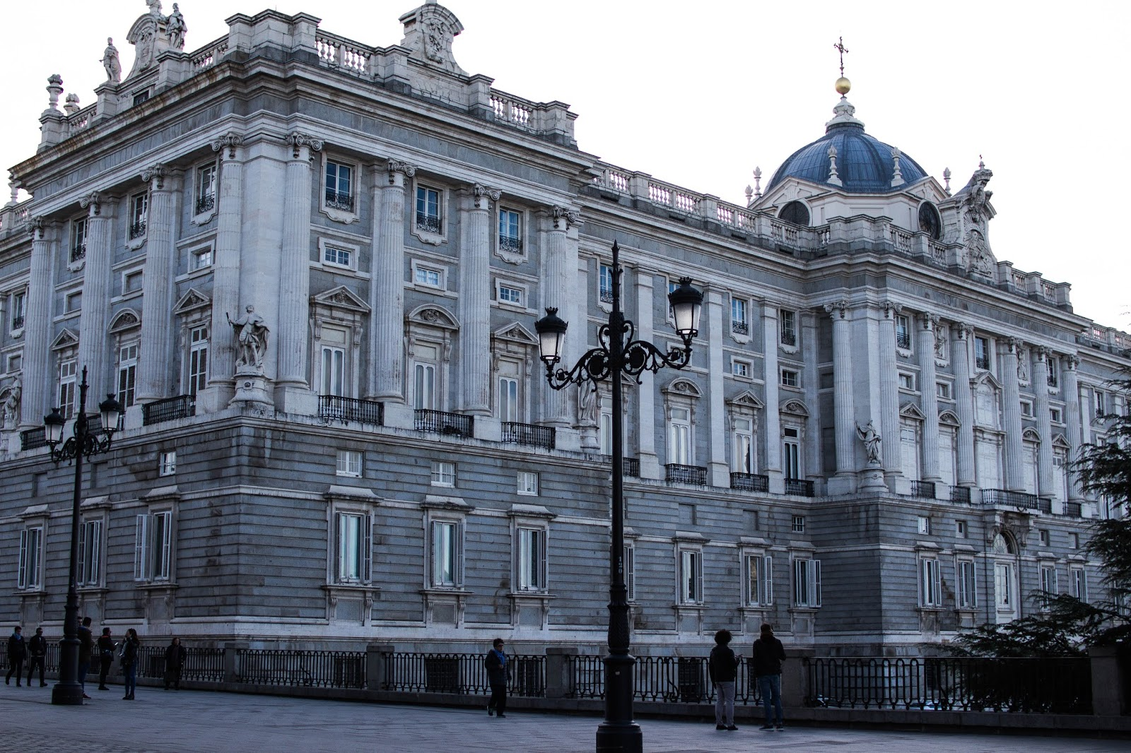 where-to-see-madrid-dc-travel-blogger-spain-grand-palace