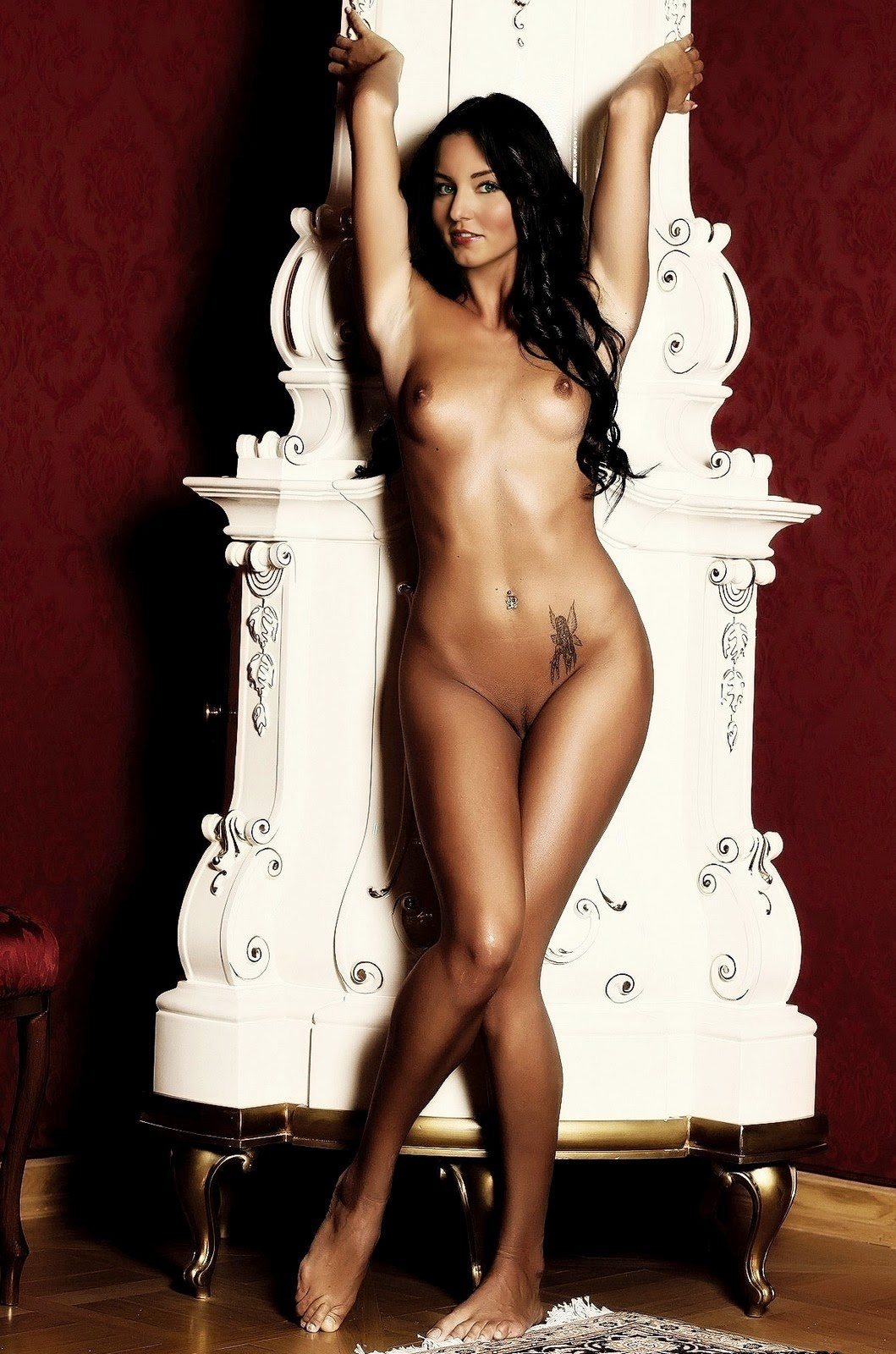 from Avery photos of naked celebs
