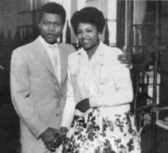 Fela-Kuti-and-wife-Remilekun-Taylor