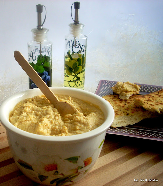 humus , pasta z ciecierzycy , ciecierzyca , cieciorka , do chleba , pasta z grochu włoskiego , groch włoski , kuchnia orientalna