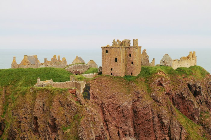 dunnottar castle,  stonehaven, trips in aberdeen, where to go