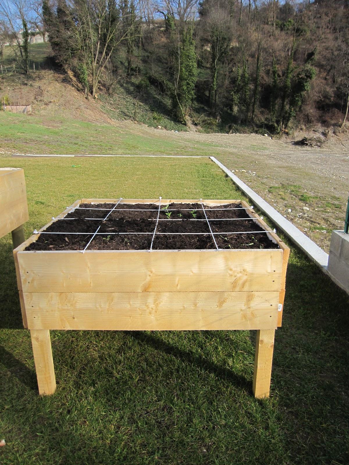 Fabriquer Potager Carré En Bois potager carré surélevé ou sur pilotis: la construction