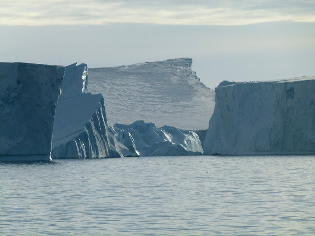 'Scars' left by icebergs record West Antarctic ice retreat