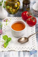 Zupa pomidorowa z ricottą