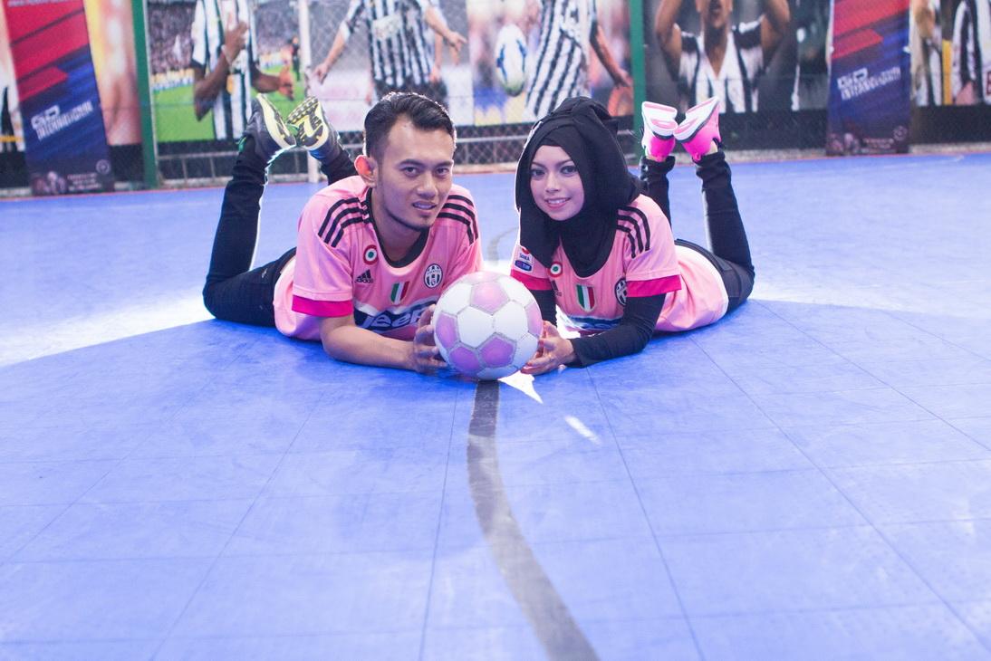 Kumpulan Foto Prewedding Di Lapangan Bola Toprewed