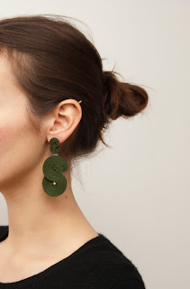 statement-earrings-khaki