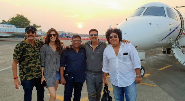Entertainment News ~ Akshay Kumar #Houseful4 jaisalmer schedule wrap! 💙✈️