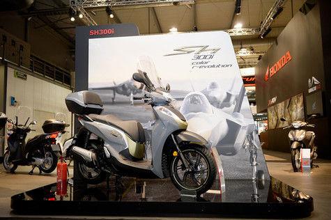 Lagi, Honda Riliskan Motor Matik 300cc di Ajang EIMCA 2018 Milan Italia
