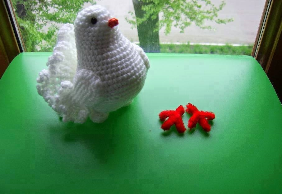 This is the pigeon or bird in crochet representing peace. - Free ...