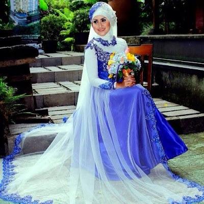 Gaun Pengantin Muslimah Biru