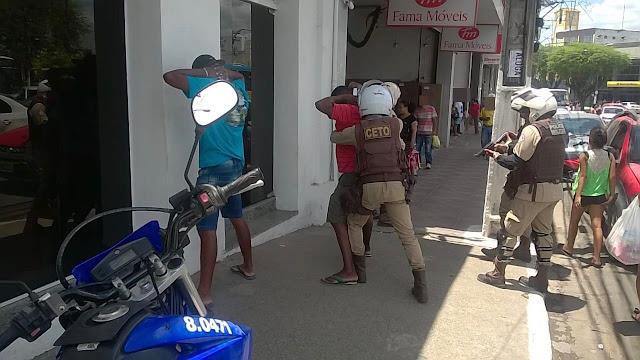 Alagoinhas: Operação da Polícia Militar reforça segurança no Centro para as compras de final de ano