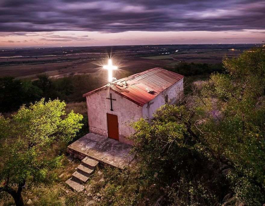 Bulgarian Church - Bulgarian Photographer Captures Amazing Moments Traveling The World