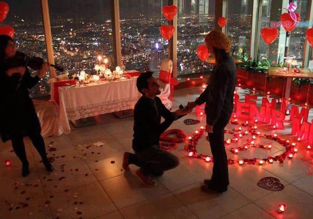 Restoranda Yapılabilecek İlginç Evlilik Teklifleri