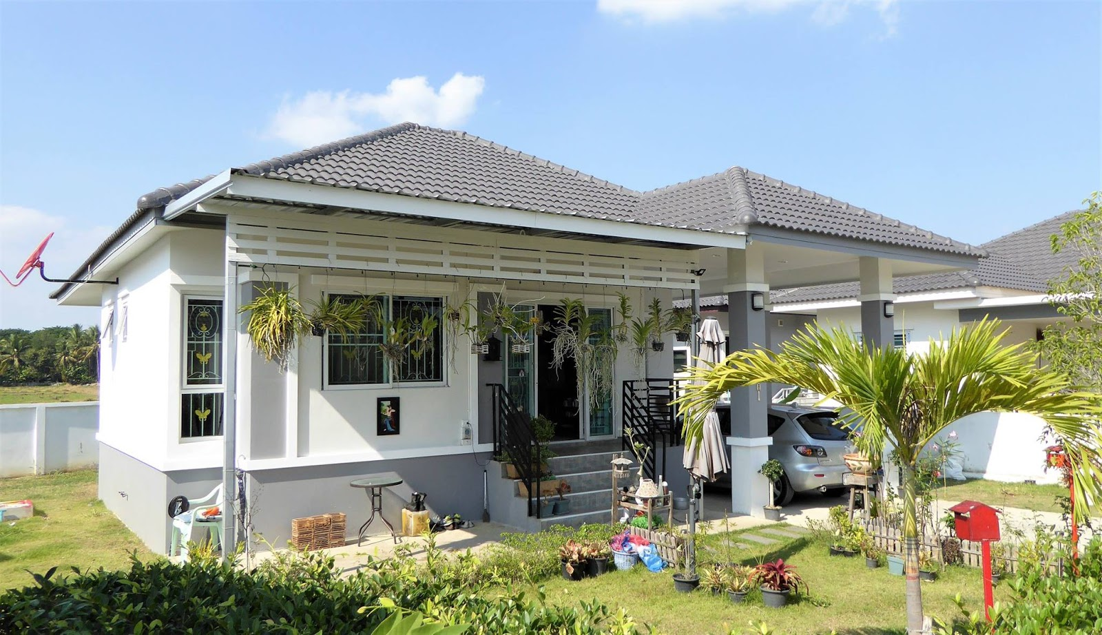 These three bungalow house plan consists of 1-3 bedrooms, 1-2 bathroom, kitchen, a living room and a terrace outside. With a living area of approximately under 115 square meters in construction costs more than 670,000 baht (19,400 USD)