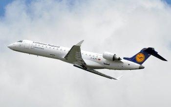 Wallpaper: Lufthansa Passenger Aircraft